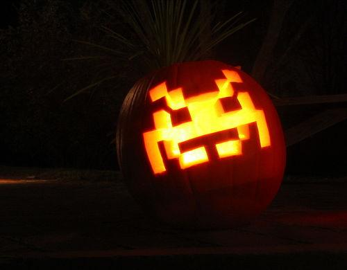 space invaders pumpkin carving