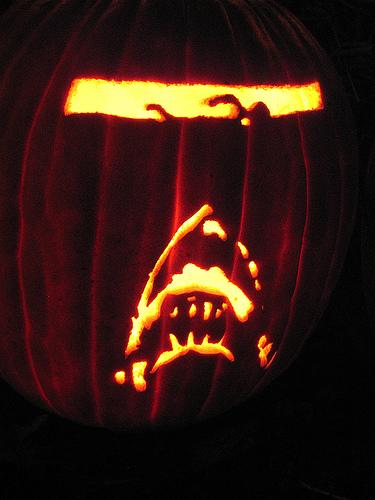 jaws pumpkin art