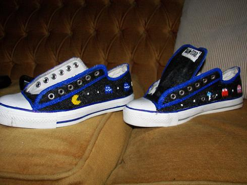 I am not sure if these shoes can be worn by guys considering the pimped out  version looks a little too girly 7016f0ad7