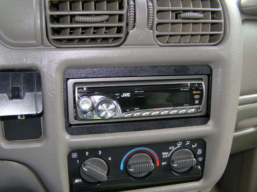 fake car stereo diy 2 16 Anti Theft Gadgets and Designs to Deter Thieves
