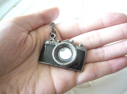 Camera Necklace 4 The Silver Camera Brings Bling To Photography