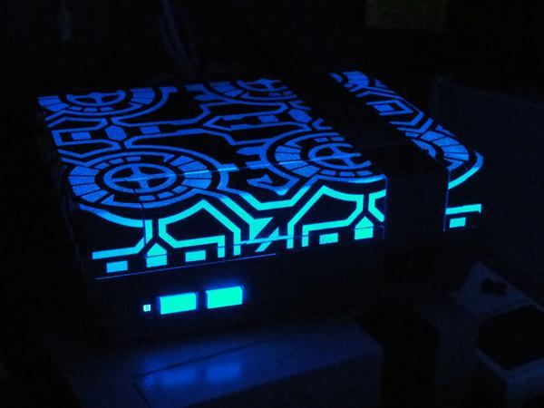 -=  CUSTOM NES  =- Glowing-in-Dark-TRON-NES