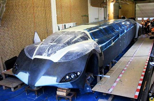 batmobile superbus image