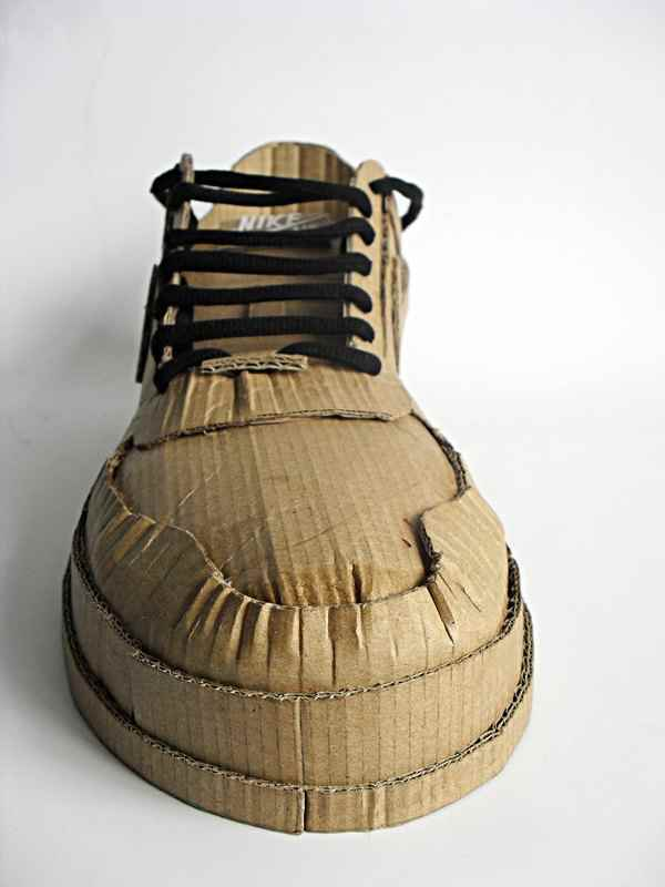 Nike air made up of cardboard (2)