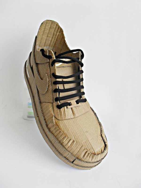 Nike air made up of cardboard (5)