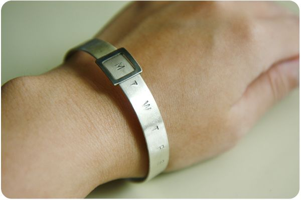 creative calendar design today bracelet image