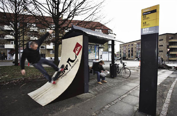 Coolest_Bus_Stops_Around_The_World_8 17 Coolest Bus Stops Around the World