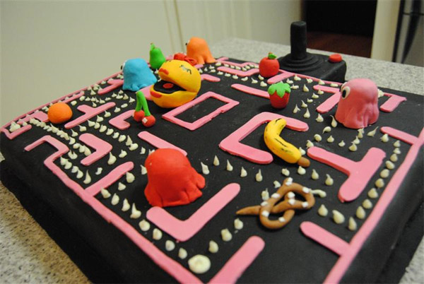 Ms. Pac-Man Cake is Sweet and Sassy