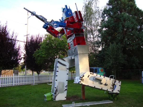 giant optimus prime statue halloween 2010