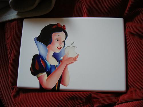 disney-snow-white-macbook-2
