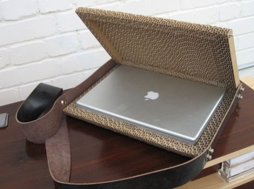 laptop-case-cardboard-1
