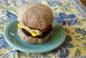 walyou-post-roundup-13-knitted-cheeseburger
