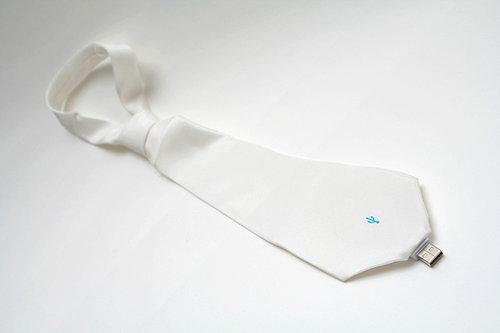 usb-flash-drive-tie