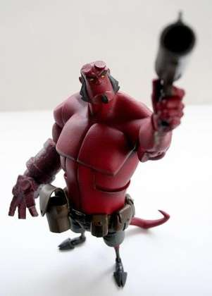 walyou-post-roundup-19-hellboy-art-toy