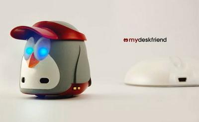 robot-penguin-mydeskfriend