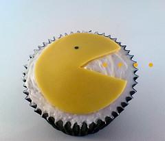cool pacman cupcake