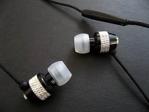 vmoda earphones set