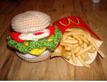 crochet art of hamburger