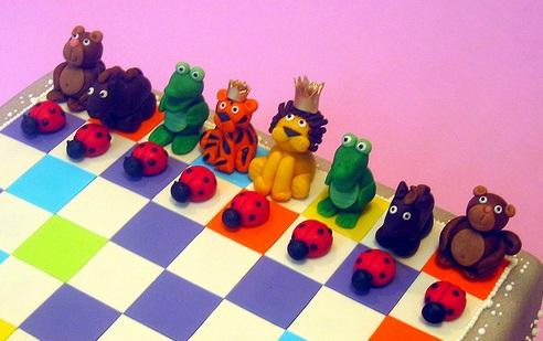 animal chessboard cake design