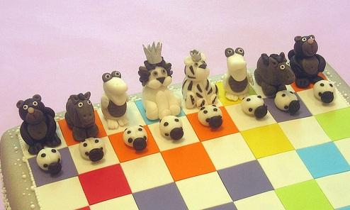 cute animal chess cake