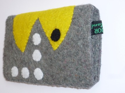 pacman ipod pouch