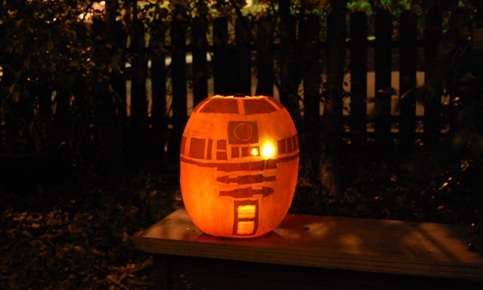 r2d2 pumpkin face art