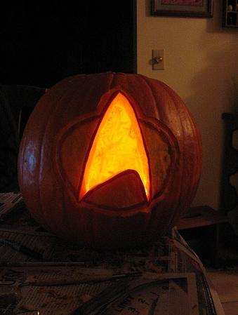 star trek logo pumpkin