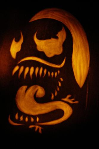venom pumpkin carving
