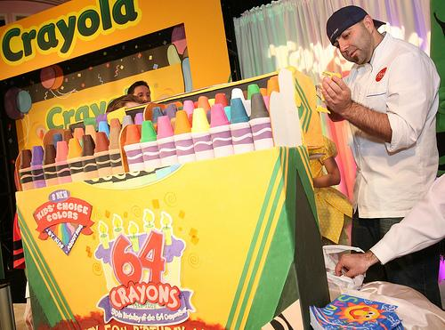 crayola 64 crayons box cake