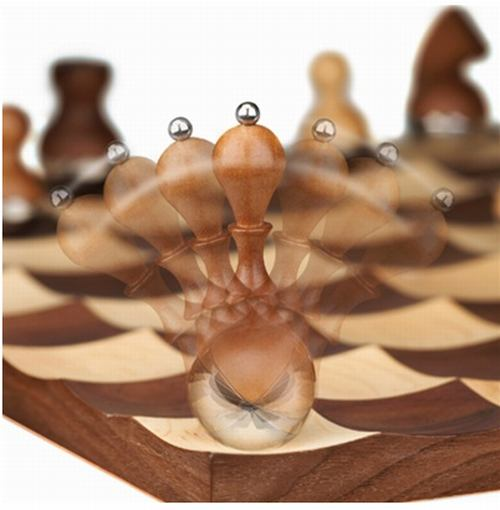 luxury chess set wobbly pieces