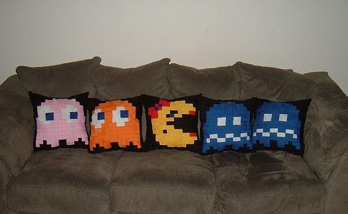 ms pacman pillows