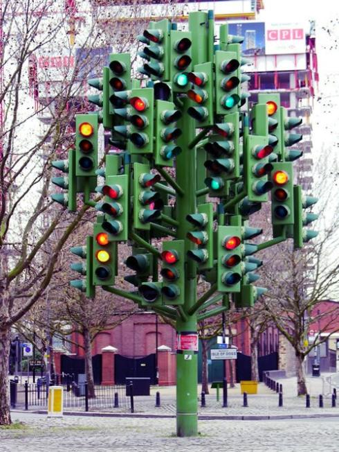 metallic traffic light tree