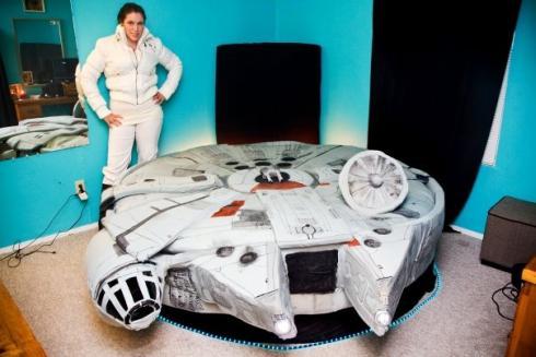 millenium falcon bed