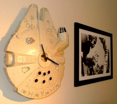 millennium-falcon-clock