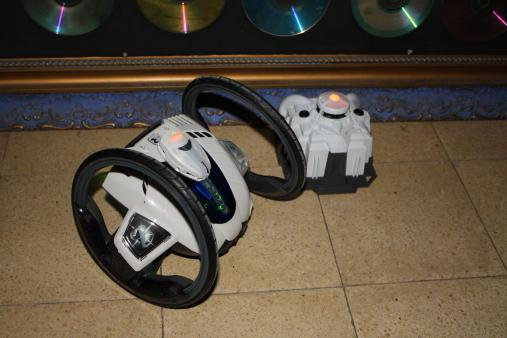roboni i rc robot vehicle