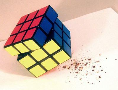 gadget rubik's cube salt and pepper grinder