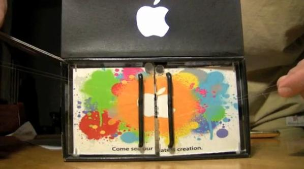 Apple Store Diorama (2)