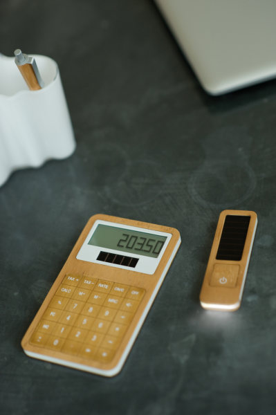 Lexon Bamboo Calculator 1