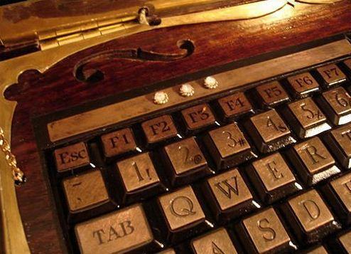 Victorian Laptop (3)