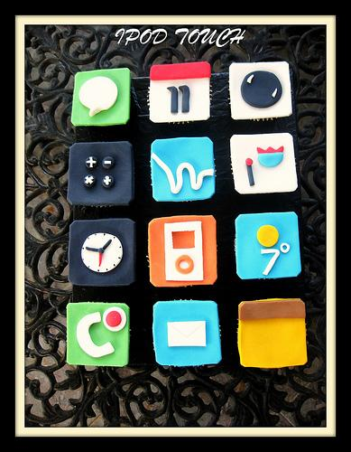 The iPod Touch iPhone Themed Cupcakes