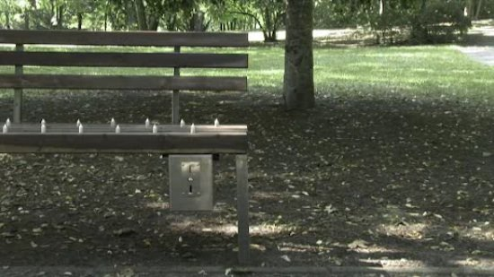 pay and sit bench spike design