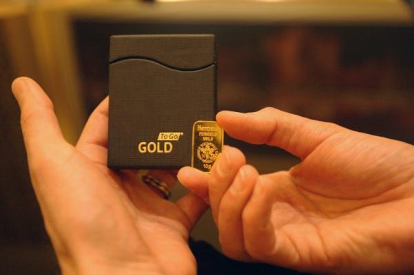 gold vending machine image 3