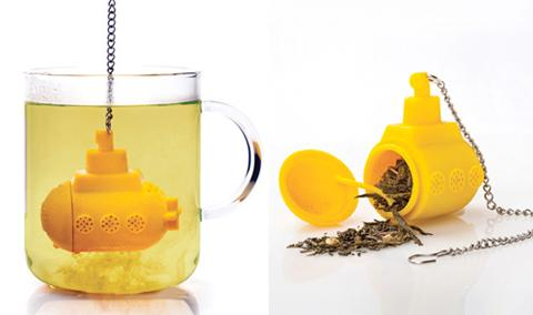 yellow submarine tea infuser design