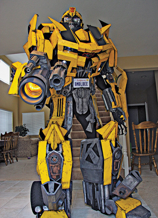 17 transformers costume ideas for halloween walyou at 8 feet this is probably the tallest transformers costume humans can expect to walk in safely costing 1600 it was built by attorney greg adler to win solutioingenieria Choice Image