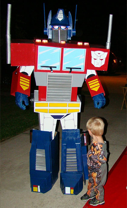17 transformers costume ideas for halloween walyou this homemade optimus prime costume has made justin the wearer a hit at a costume party you can totally make one for yourself and become a hit too solutioingenieria Choice Image