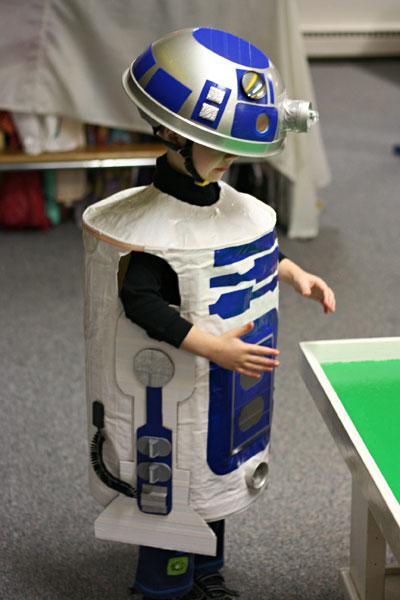26 bizarre star wars costumes walyou bizarre star wars costumes r2d2 costume 2 solutioingenieria Images