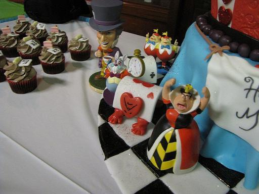 wonderland cake 2
